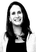 Laura Burke, EUA